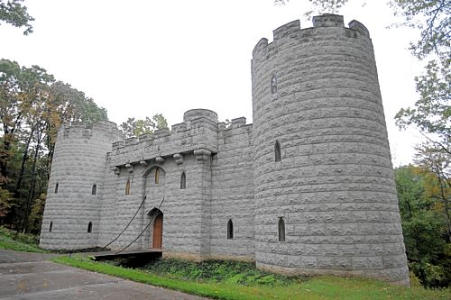Marshall Couple S Home Is Their Castle Gretchen Mckay