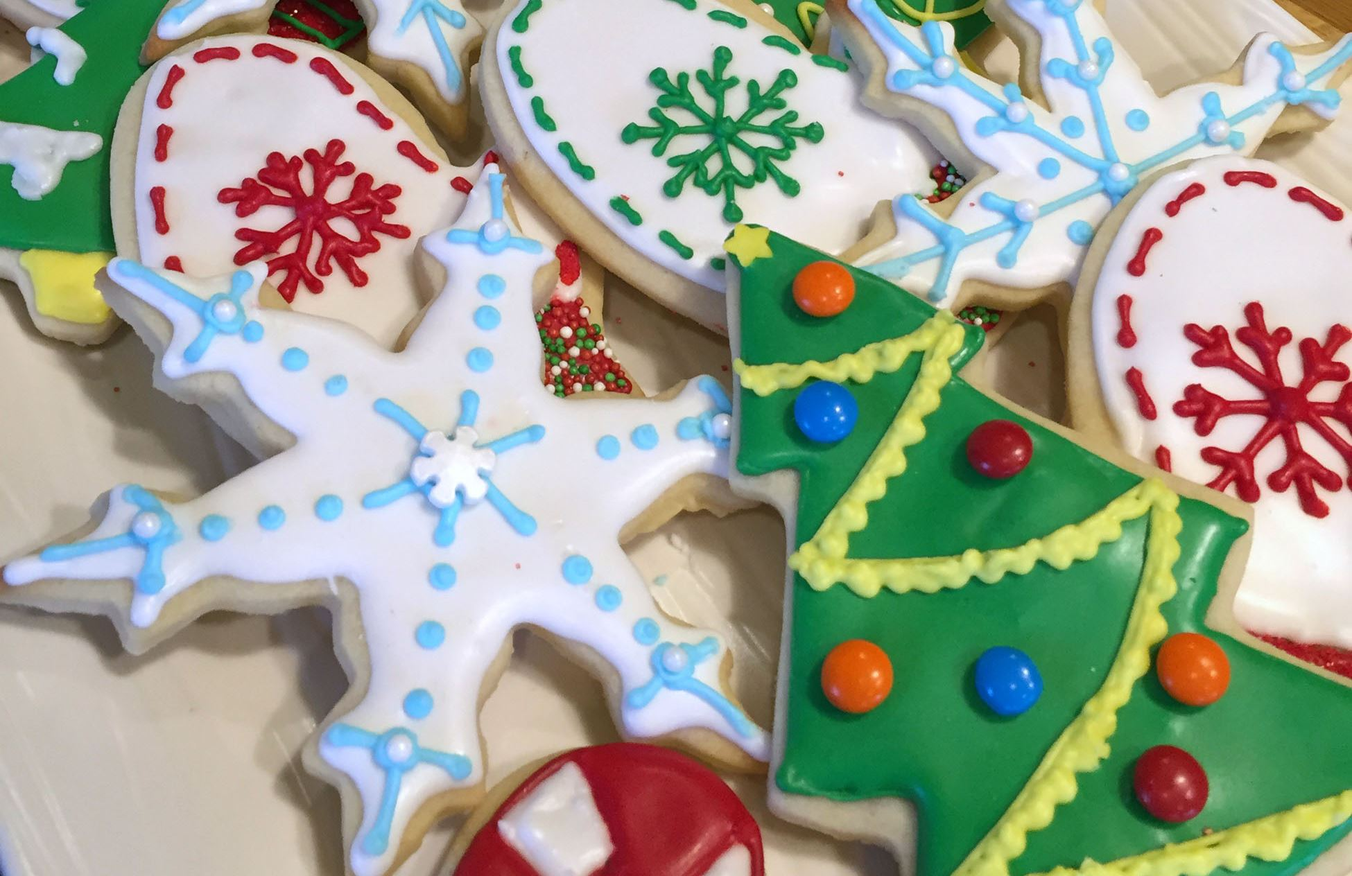Simple, easy tips for rolling out Christmas cut-outs